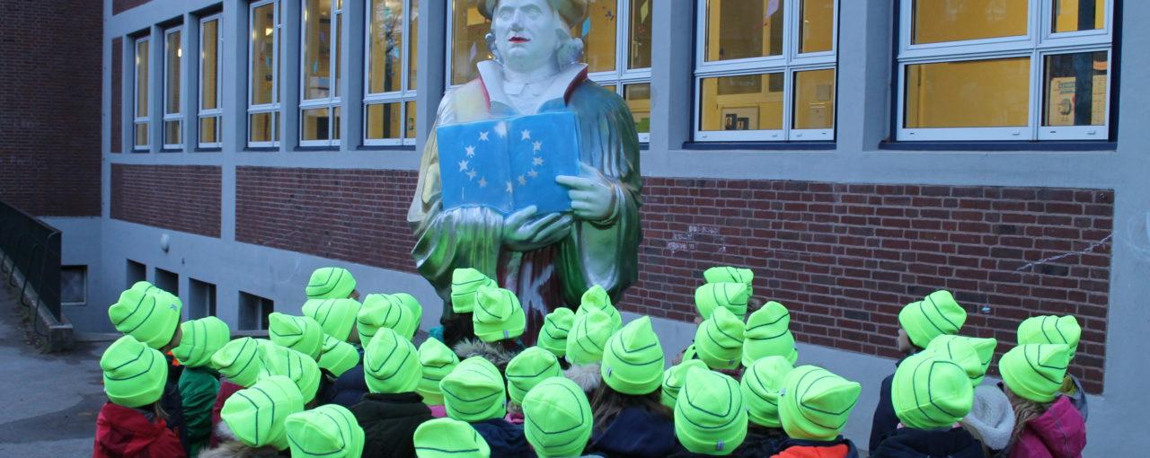 Martin Luther sieht gelb